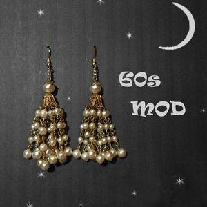 60s Mod GoGo Chandelier Earrings (new earwires)